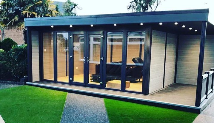 Garden Room with large Glass Bi-fold doors